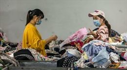 Trung Quốc đau đầu với 26 triệu tấn quần áo thải mỗi năm