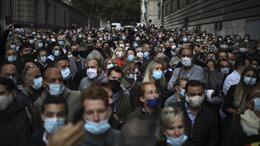 Bộ trưởng Y tế Pháp không loại trừ nguy cơ làn sóng COVID-19 thứ ba