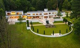 Giới siêu giàu Anh tìm về nông thôn mua biệt thự tránh COVID-19