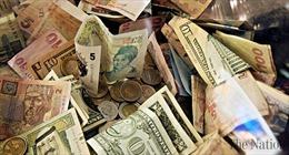 Nguy cơ 'sóng thần' nợ toàn cầu khi COVID-19 không thuyên giảm