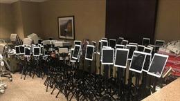 Hình ảnh iPad chất kín phòng ICU ở Mỹ, giúpbệnh nhân gửi lời tạm biệt cuối cùng