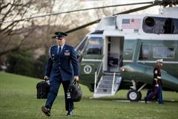 Valy hạt nhân bàn giao ra sao nếu Tổng thống Trump không đến trong Ngày Nhậm chức?