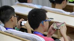 Trung Quốc cấm học sinh đem điện thoại di động vào lớp