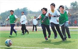 Lớp học thể dục tăng độ 'nam tính' cho học sinh gây tranh cãi tại Trung Quốc