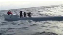 Bắt giữ 3 đối tượng vận chuyển 2.500 kg cocain bằng… tàu ngầm