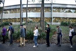 Giới trẻ Australia sốt sắng chờ cơ hội được tiêm vaccine COVID-19