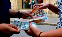 Cuba khuyên du khách không mang theo USD tiền mặt