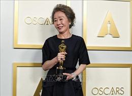 Người dân Hàn Quốc ăn mừng giải Oscar của nữ diễn viên Youn Yuh-jung