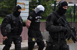 Pháp bắt giữ thêm một đối tượng thuộc nhóm khủng bố 'Lữ đoàn đỏ' của Italy