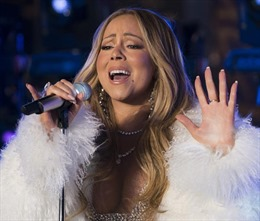 'All I Want For Christmas Is You' giúp Mariah Carey đi vào lịch sử Billboard