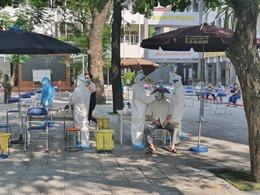 Xét nghiệm diện rộng tại quận Hai Bà Trưng, Hà Nội