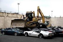 Philippines tiêu hủy hàng loạt xe sang tổng trị giá 5,5 triệu USD