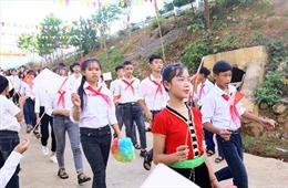 Học sinh 'rốn lũ' Thanh Hóa náo nức tựu trường