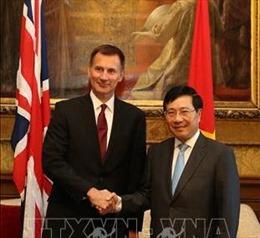 Phó Thủ tướng Phạm Bình Minh kết thúc tốt đẹp chuyến thăm Liên hiệp Vương quốc Anh và Bắc Ireland