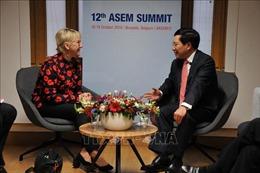 Phó Thủ tướng Phạm Bình Minh tiếp xúc song phươngtại ASEM 12