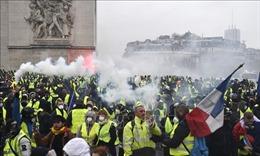 Tổng thống Pháp họp khẩn cấp bàn cách đối thoại với phong trào 'áo vàng'