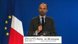 Pháp hủy kế hoạch tăng thuế nhiên liệu