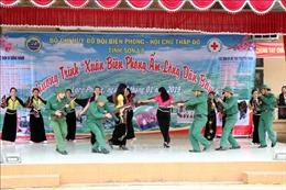 Lực lượng biên phòng Sơn La chung tay giúp đồng bào vùng biên vui đón Tết