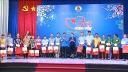 Chủ tịch Quốc hội Nguyễn Thị Kim Ngân dự 'Tết sum vầy'tại Bình Dương