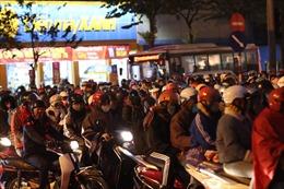 Người dân đổ về Thủ đô, giao thông Hà Nội  'nóng' sau kỳ nghỉ Tết Dương lịch