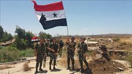 30 xe chở các tay súng người Kurd rời khỏi thành phố Manbij của Syria