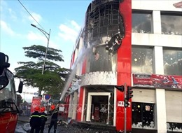 Cháy cửa hàng xe máy đối diện cây xăng ở Đà Nẵng