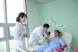 Cứu sống bệnh nhân Hàn Quốc bị đột quỵ não