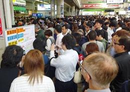 Nhiều tuyến tàu ở trung tâm Tokyo tê liệt vì mất điện