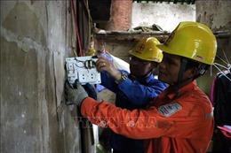 Sửa chữa điện miễn phí cho hộ nghèo, gia đình chính sách ở nông thôn