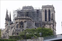 Vụ cháy Nhà thờ Đức Bà Paris: Nhiều vật liệu xây dựng 'nhạy cảm'với lửa và nước