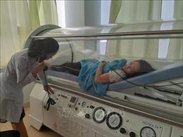 Hít phải khí amoniac rò rỉ, 5 công nhân nhập viện trong tình trạng lơ mơ