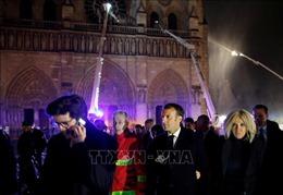 Vụ cháy Nhà thờ Đức Bà Paris: Tổng thống Pháp trực tiếp tới hiện trường
