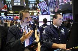 Các chỉ số chứng khoán Mỹ tiếp tục giảm điểm