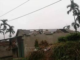 Mưa lốc tại Yên Bái khiến 1 người chết, gần 50 ngôi nhà bị tốc mái