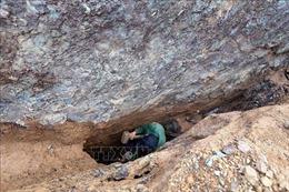 Hiểm họa trực chờ từ nạn khai thác vàng trái phép ở Háng Trợ