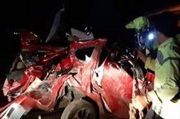 Hành khách giằng tay lái của tài xế gây tai nạn liên hoàn, 12 người thiệt mạng