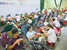 Hàng nghìn người dân tham gia ngày hội hiến máu tại Khánh Hòa