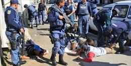 Nam Phi triển khai quân đội hỗ trợ cảnh sát ngăn chặn tội phạm tại Cape Town