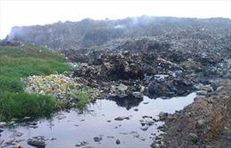 Xử lý rác thải vùng ven biển còn nhiều gian nan