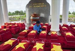 Truy điệu, an táng hài cốt liệt sỹ Việt Nam hy sinh tại Campuchia