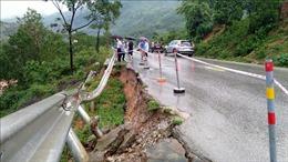 Đường đi cửa khẩu Cha Lo xuất hiện những điểm sạt lở nguy hiểm