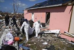 Lo hậu quả bão 'quái vật' Dorian chưa xong, Bahamas đã phải 'đón' siêu bão Humberto