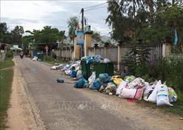 Rác thải tràn lan trên tuyến đường tránh TP Nam Định