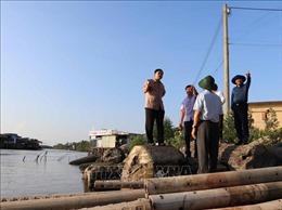 Bộ trưởng Nguyễn Xuân Cường kiểm tra tình hình sạt lở tại Cà Mau