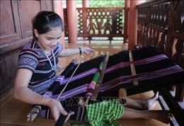 Nghề dệt thổ cẩm của người H'rê là Di sản Văn hóa phi vật thể Quốc gia