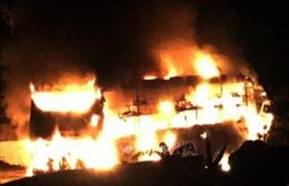 Xe khách giường nằm cháy rụi khi đang lưu thông trên đường Hồ Chí Minh