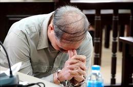 Cựu hiệu trưởng xâm hại nhiều nam sinh lĩnh án 8 năm tù
