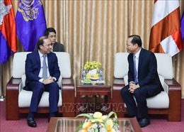 Thứ trưởng Bộ Ngoại giao Nguyễn Quốc Dũng chúc mừngQuốc khánh Campuchia