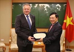 Phó Thủ tướng Phạm Bình Minh tiếp Bộ trưởng Phát triển kinh tế và Công nghệ Slovenia