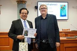 Bộ Đại từ điển Giáo khoa Séc - Việt nhận Giải thưởng Văn học 2019 của Hội Nhà văn Séc